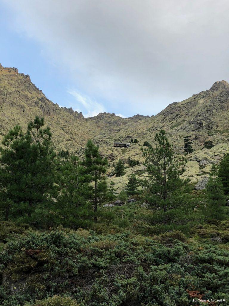 Auf dem Weg zur nächsten Etappe noch mal ein Blick zurück zur Hütte Tighiettu