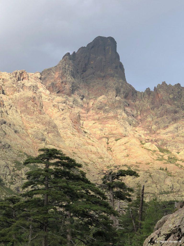Der nächste Berg, den wir an der Scharte überqueren müssen