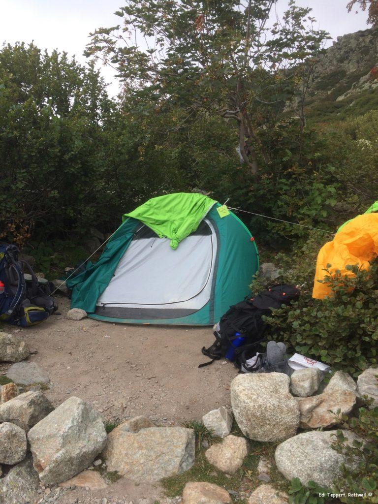 Zelten ist angesagt wegen Bettwanzen im Refuge