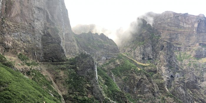 Levada: Wanderung Pico Arieiro zum Pico Ruivo