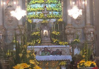 """Während einem Gottedienst in der Kirche """"Nossa Senhora do Monte"""""""
