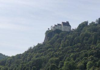 Schloss Werewang auf dem Berg